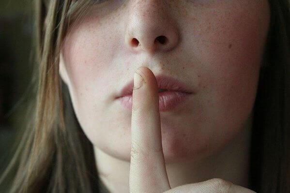 「暗黙の強化」の意味